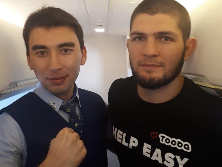 Хабиб Нурмагомедов в самолете SCAT