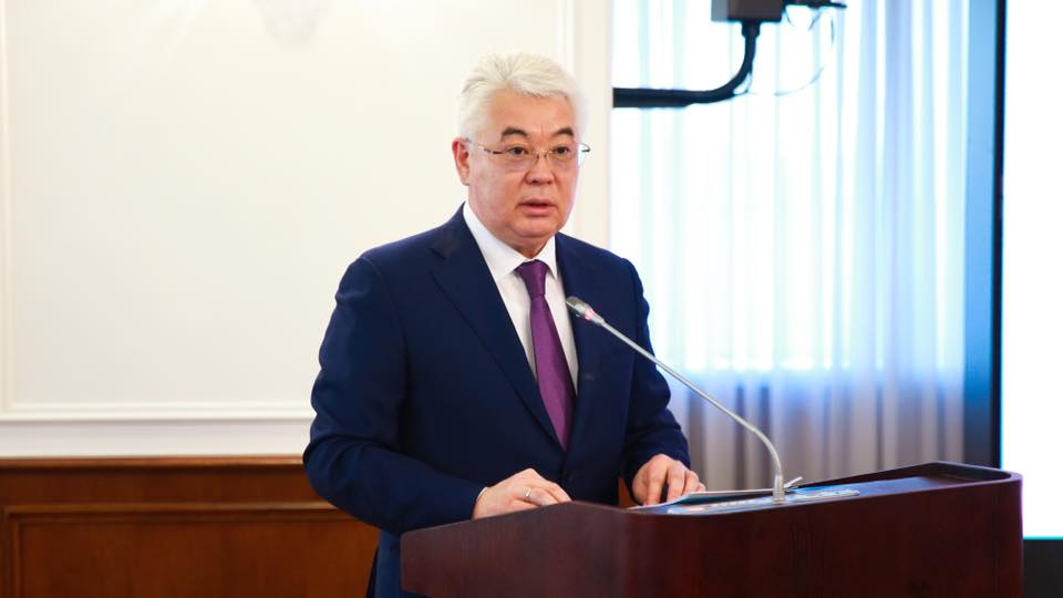 Министр индустрии и инфраструктурного развития РК Бейбут Атамкулов