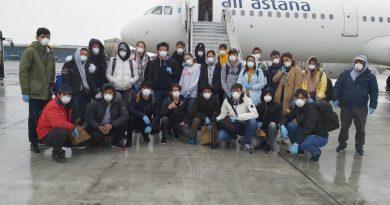 Air Astana возвратила домой кадетов Морской академии
