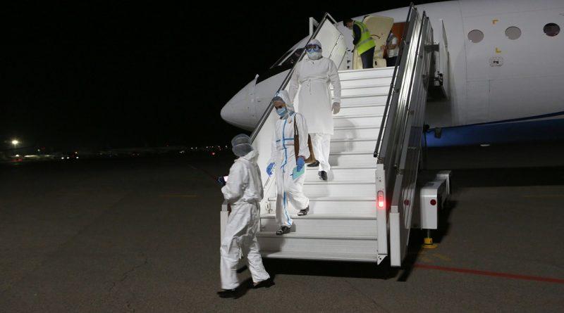 В аэропорт Алматы прибыли российские врачи для борьбы с коронавирусом