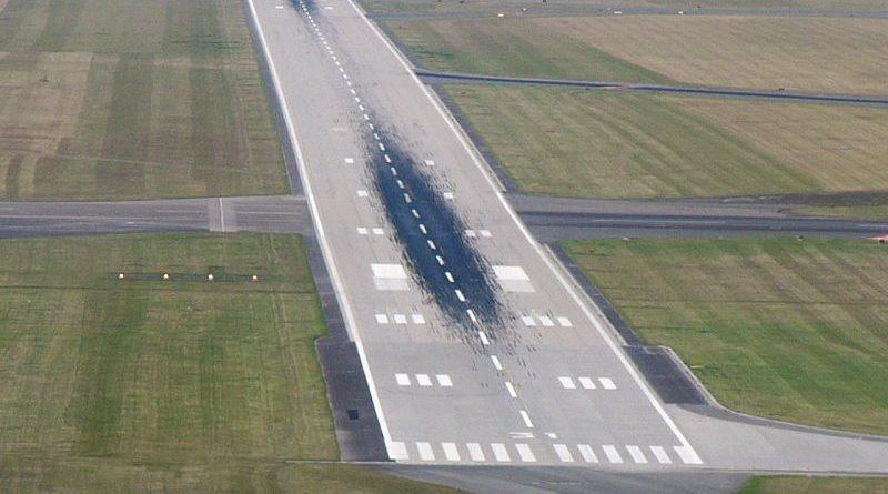 В аэропорту Ушарал удлинят взлетно-посадочную полосу